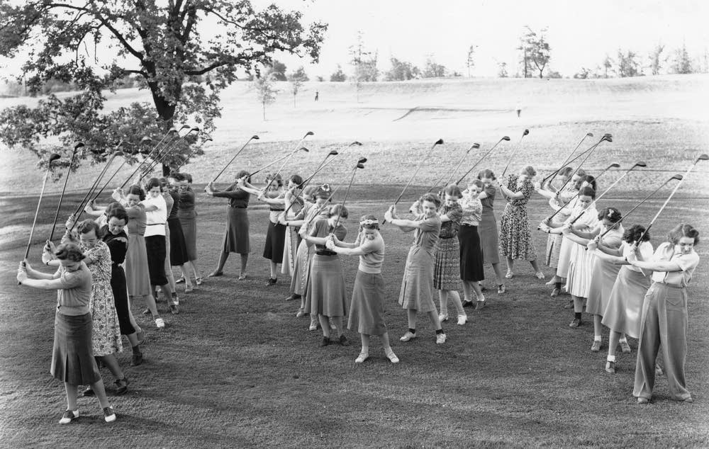 University of Minnesota women golfers in 1939
