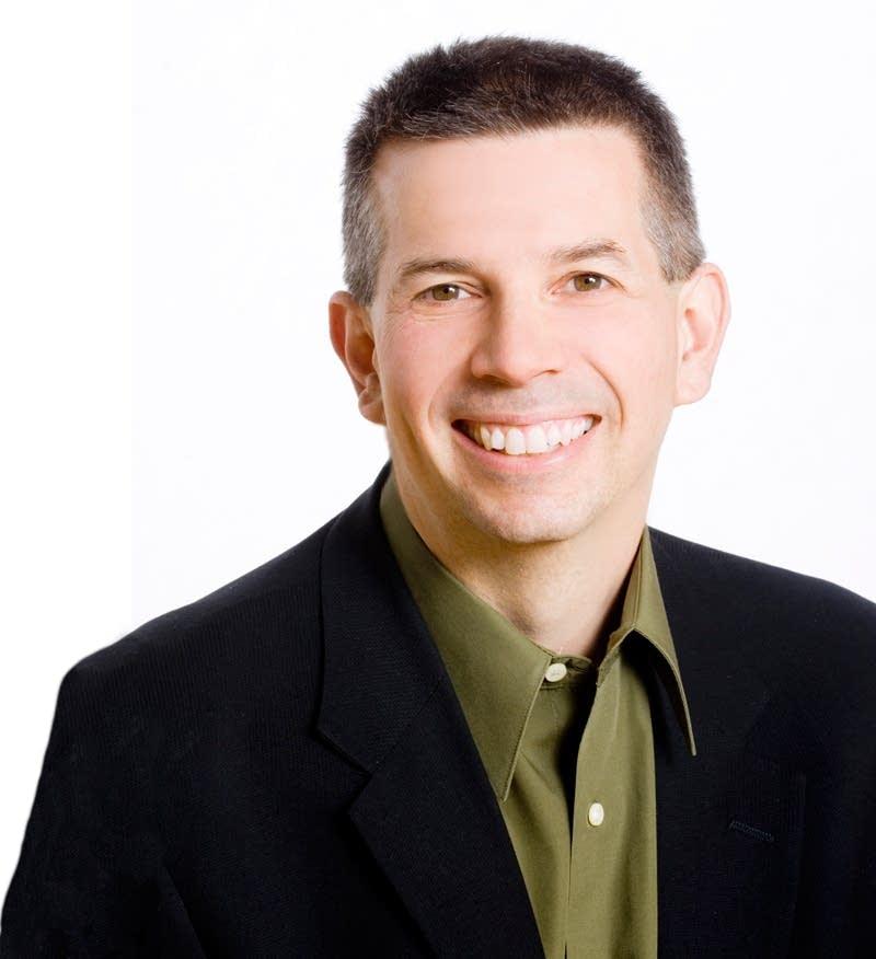 Host Steve Staruch