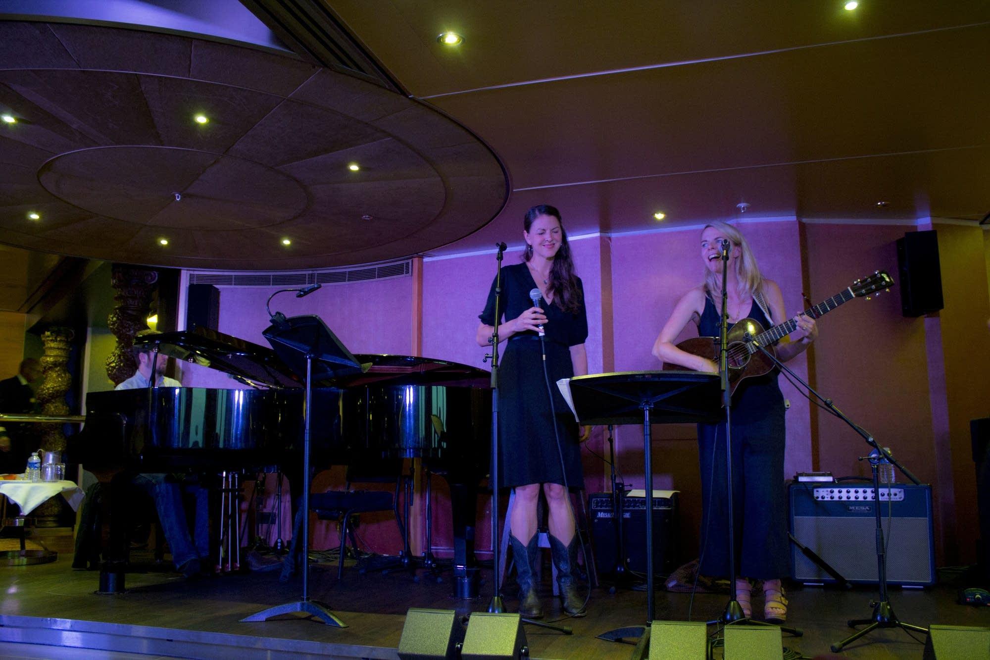 Edinburgh - 15 - Heather and Aoife