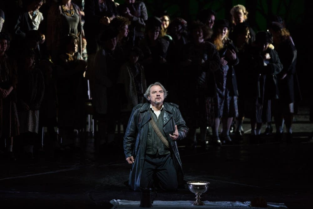 """role of lady macbeth 4 thoughts on """" gender roles in macbeth """" deabarbieri april 28, 2014 at 10:19 pm i really like how you point out the progression of the gender roles in the play-they do start out quite traditional but lady macbeth soon takes over."""