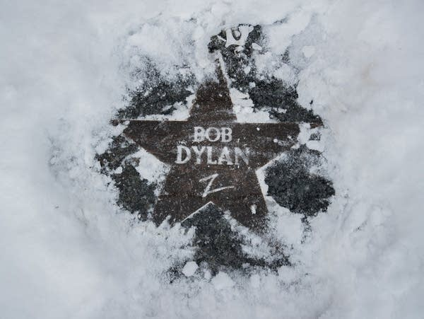 A star dedicated to Dylan