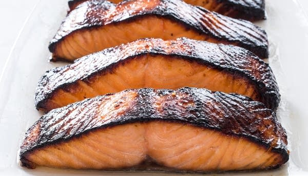 One-Pan Roasted Salmon with Broccoli and Red PotatoesALT INFO