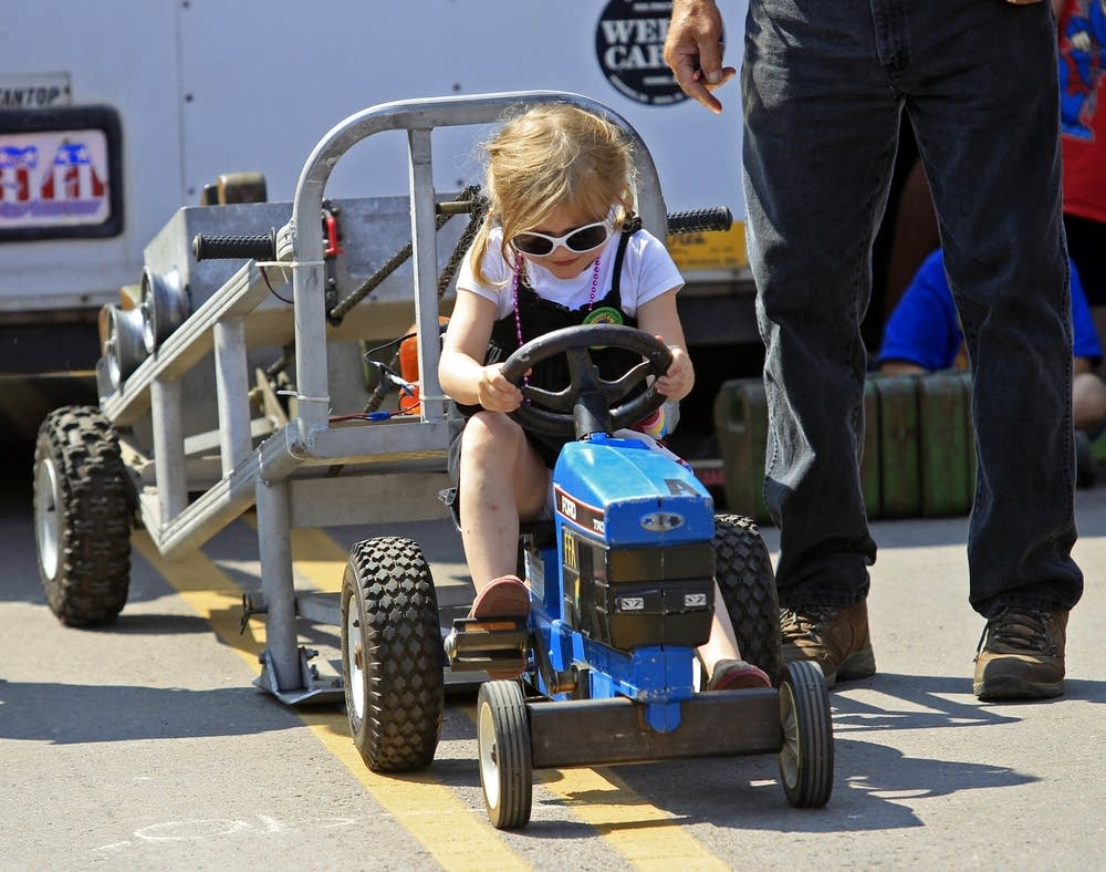 The kid's tractor pull