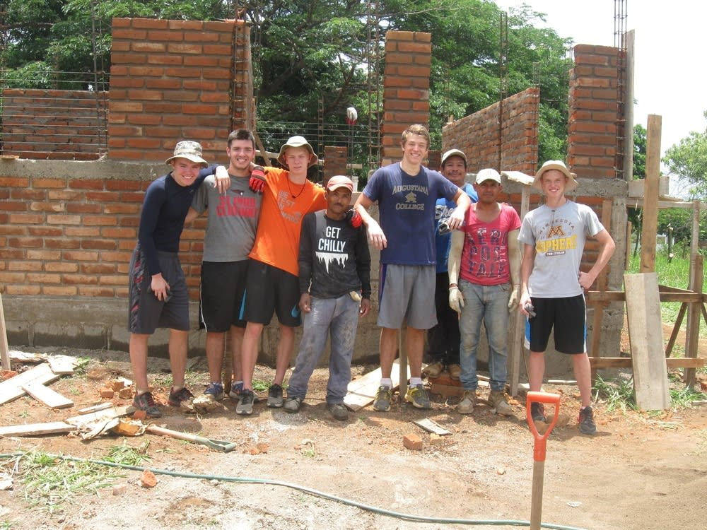 Volunteers at Nuestros Pequeños Hermanos