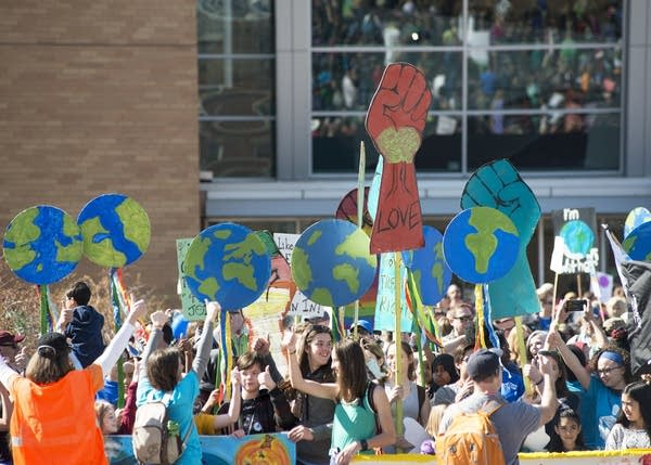 The Kids Climate March prepares to leave from the Science Museum.