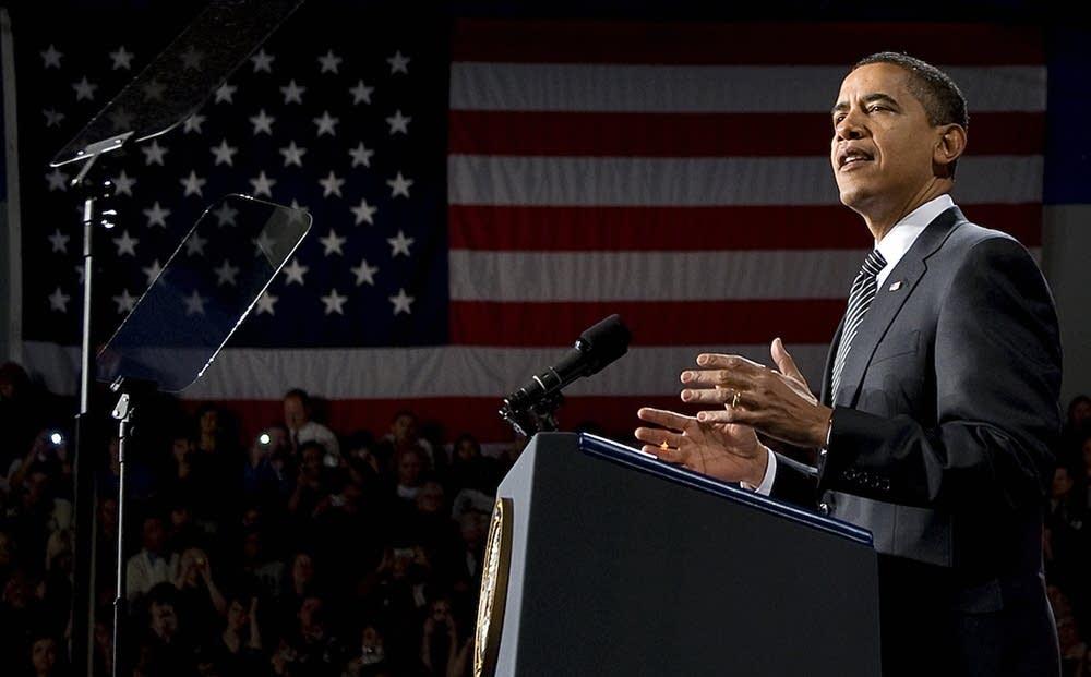Obama announces foreclosure help