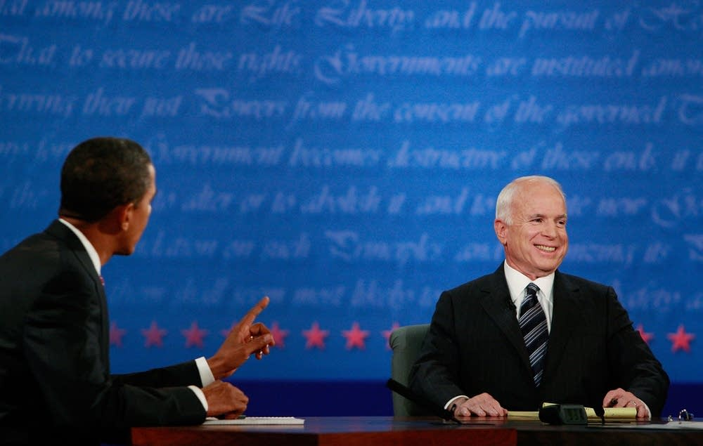 Obama answers a question to McCain