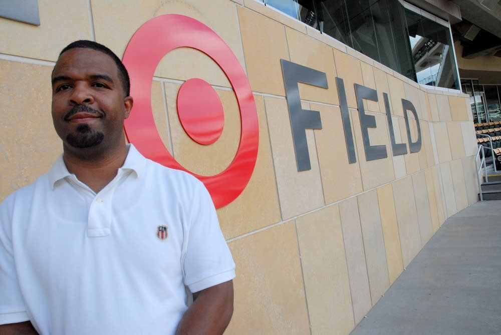 Shawn Wright installed Target Field's bull's eye