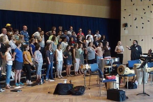 MN Chorale, Border CrosSing, alumni of the Schola Cantorum de Venezuela
