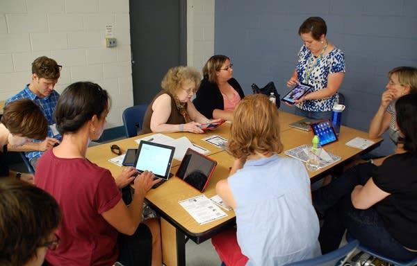 St. Paul teachers attended an iPad class.