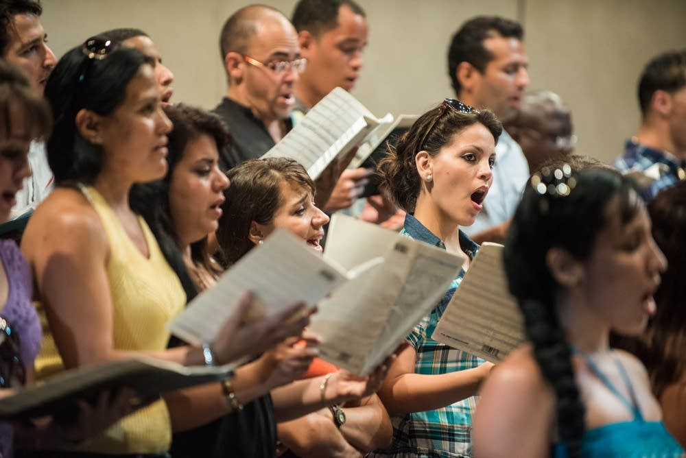 The National Choir of Cuba joined the orchestra