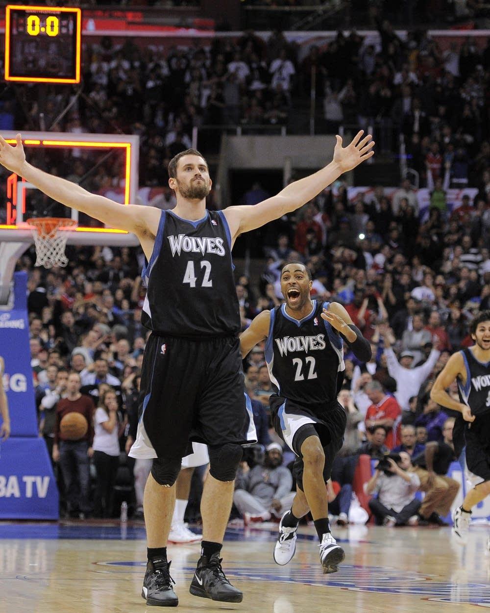 Clock Ticks On Kevin Love S Timberwolves Contract Deadline Mpr News