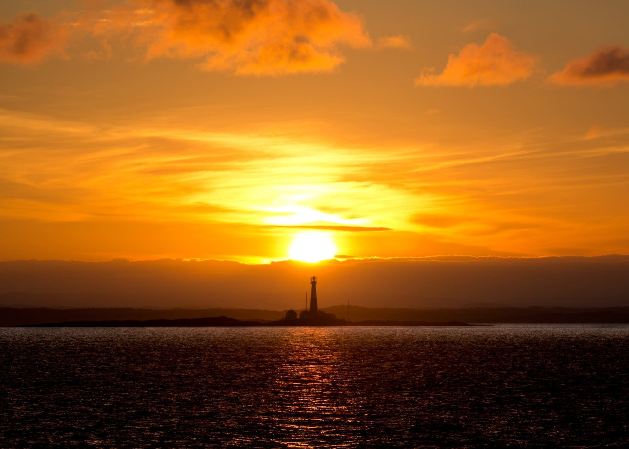 Oslo - 25 - sunset over lighthouse