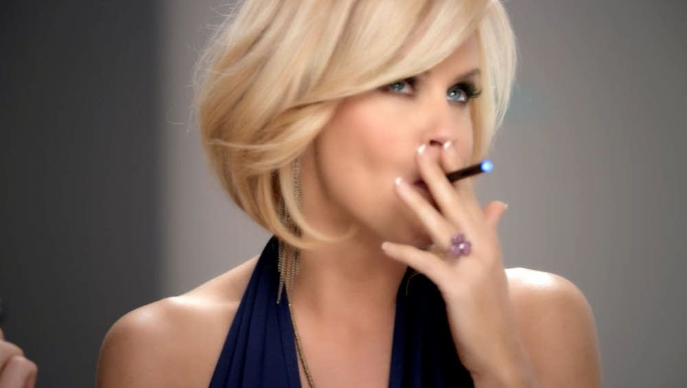 Blu Ecigs advertisement featuring Jenny McCarthy