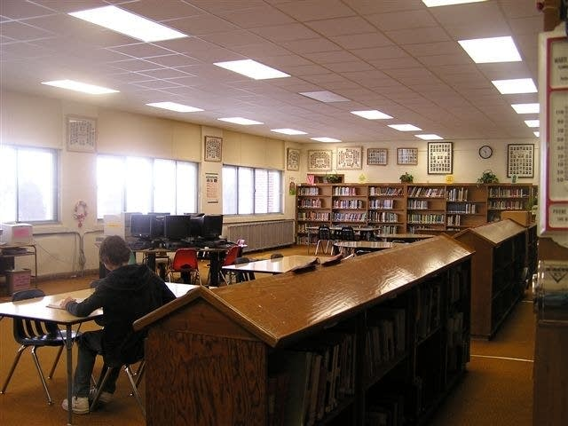 Lake Benton library