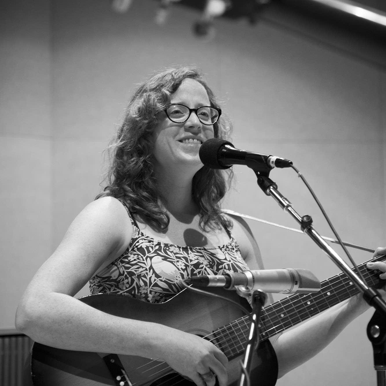 Miss Tess performs at Radio Heartland