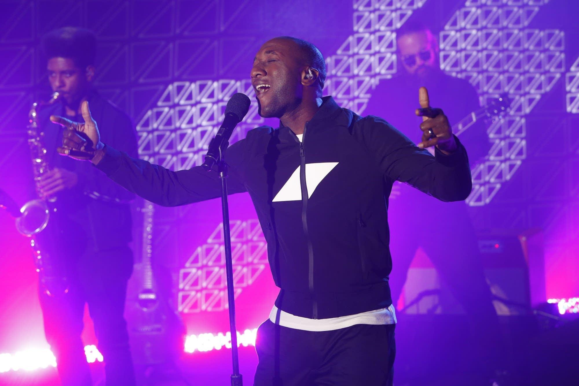 Aloe Blacc performs on 'Jimmy Kimmel Live!'