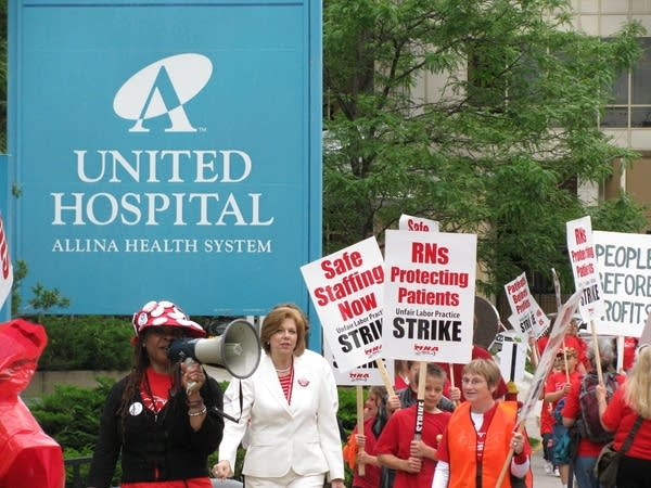Nurses picketing