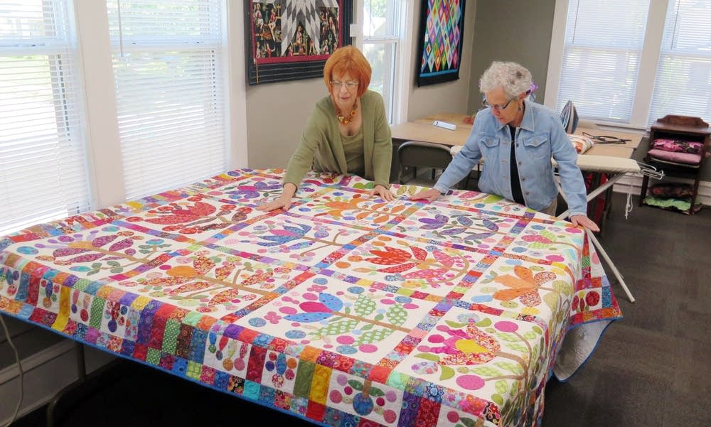 Raschka-Reeves and Dyer laid out a quilt.