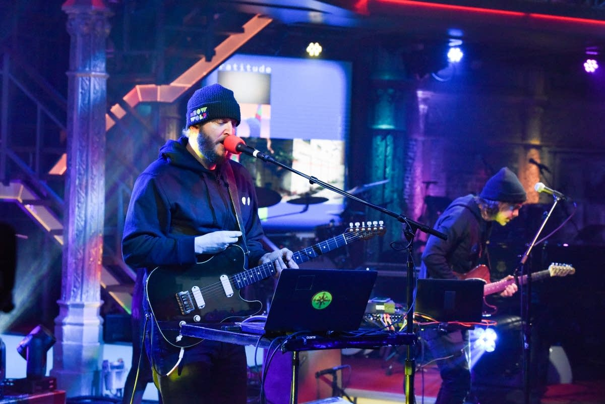 Big Red Machine perform on 'The Late Show with Stephen Colbert'