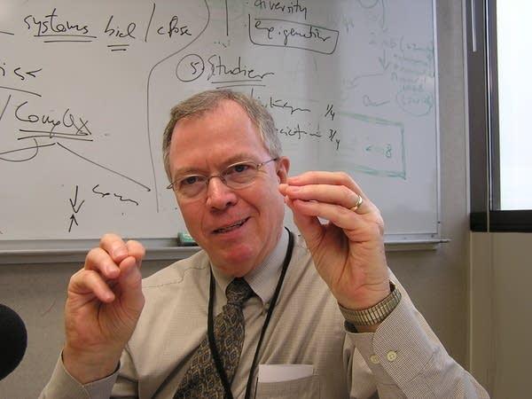 Dr Don Tindall