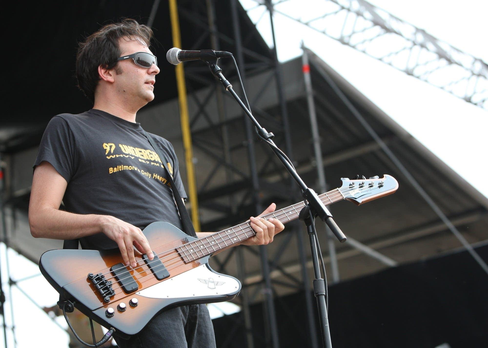 Adam Schlesinger performing in 2007