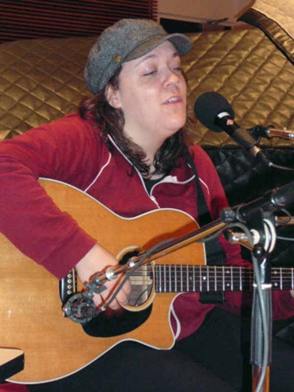 Singer / Songwriter Lucy Wainwright Roche