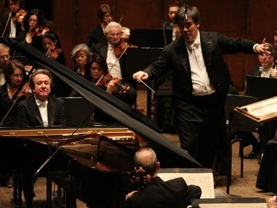 049889 20161111 alan gilbert and pianist rudolf buchbinder