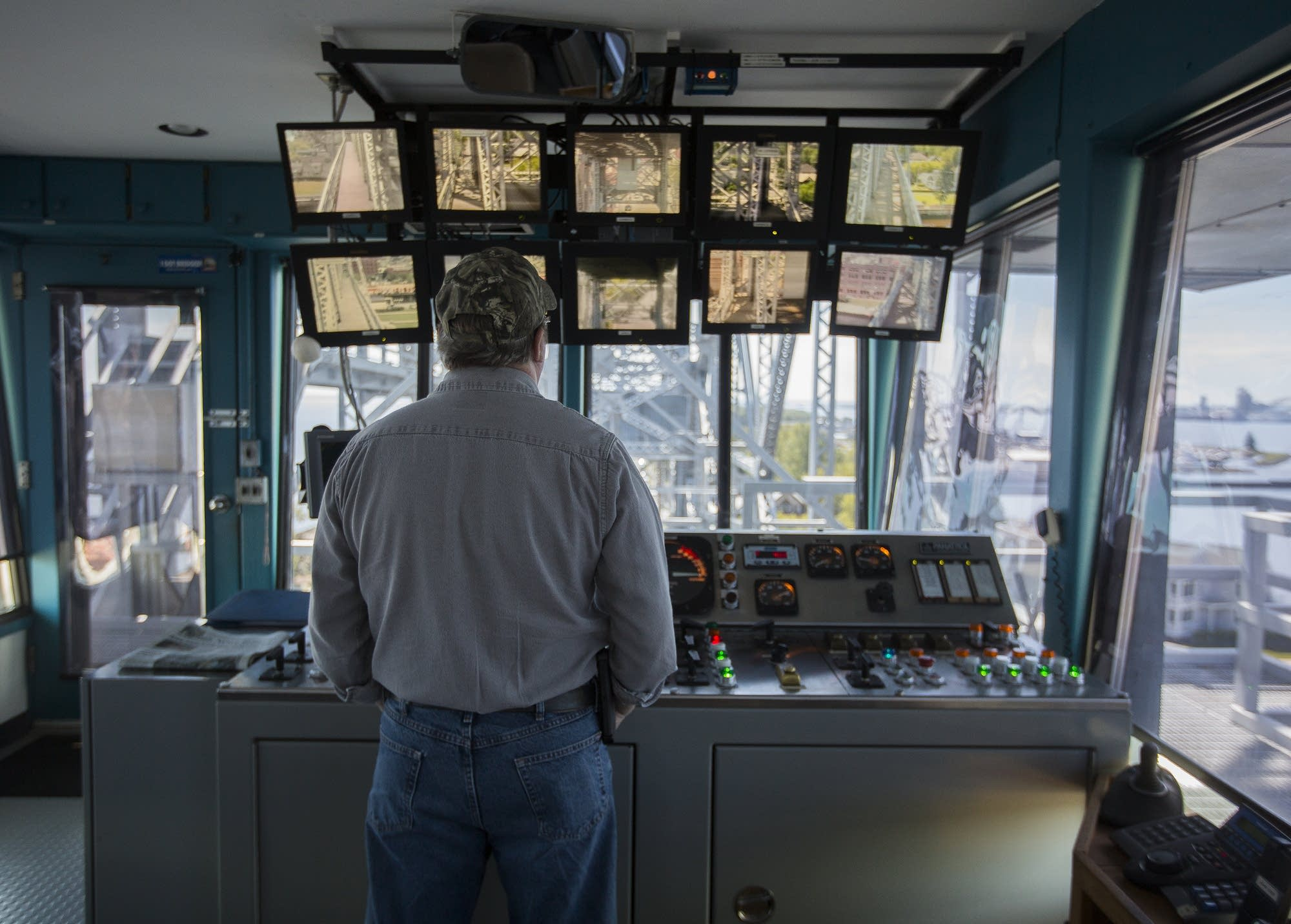 Life On Duluth S Aerial Lift Bridge Lots Of Ups Few Downs Mpr News