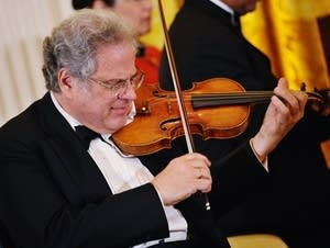 Itzhak Perlman performs at the White House in 2012