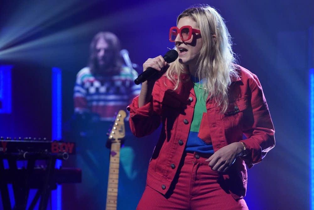Caroline Rose performs on 'Late Night with Seth Meyers'