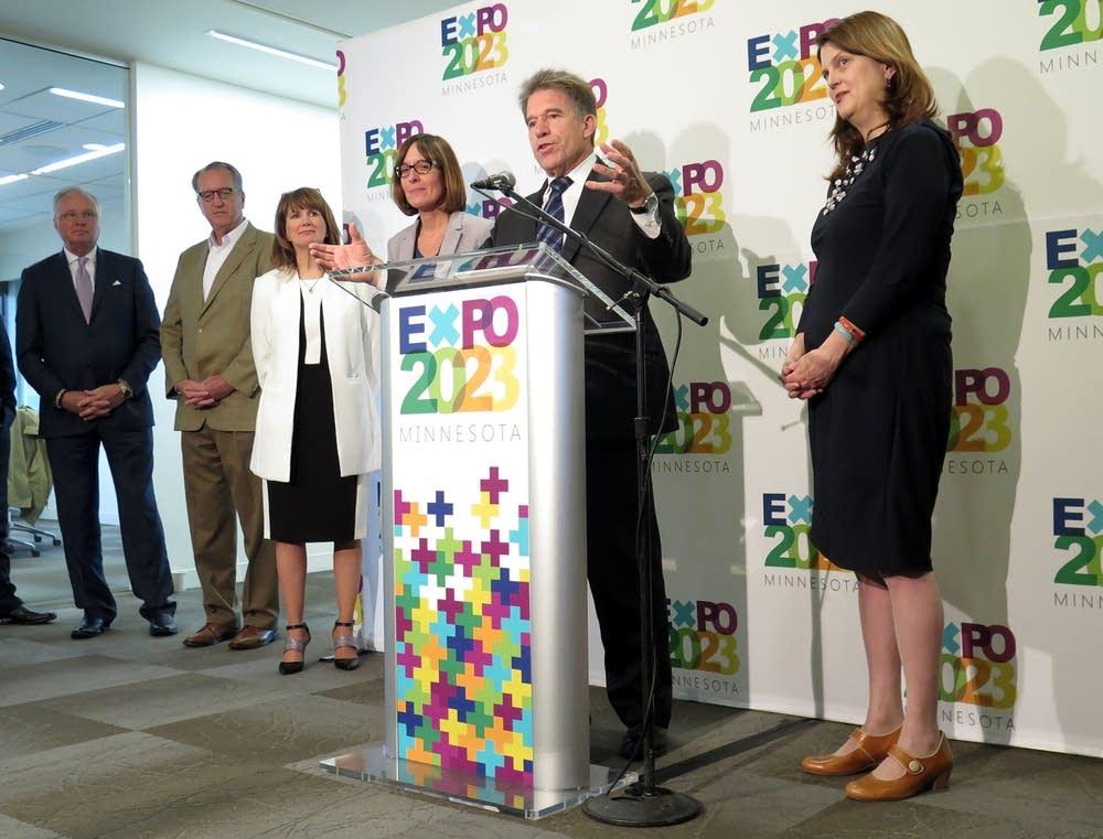Committee to bid on World's Fair exposition