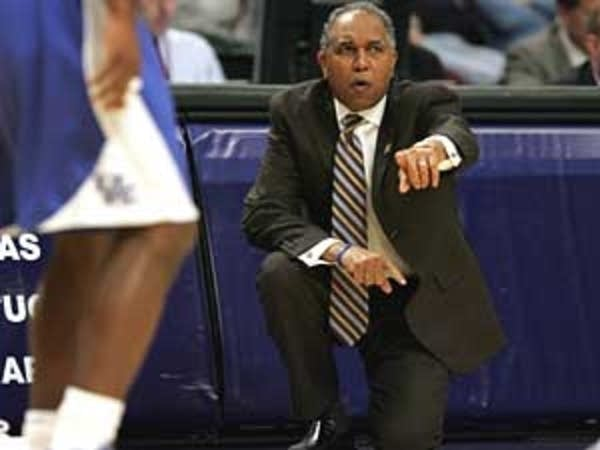 Tubby Smith to Minnesota