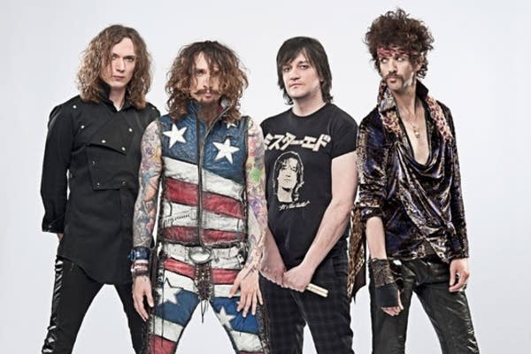 The Darkness group photo