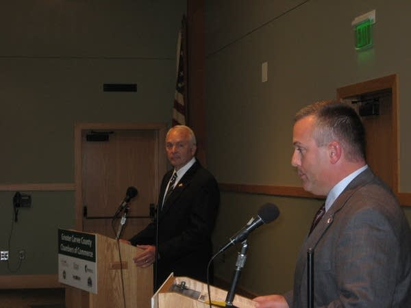 Rep. John Kline debates DFL candidate Steve Sarvi