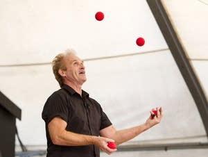 Juggler and entertainer Sean Emery