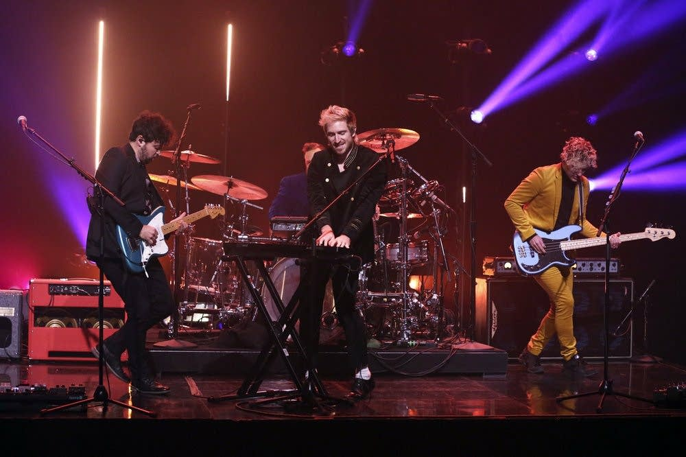 Walk The Moon perform on 'The Tonight Show'