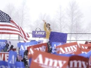 Amy Klobuchar announces her presidential bid