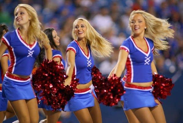 Buffalo Jills cheerleaders