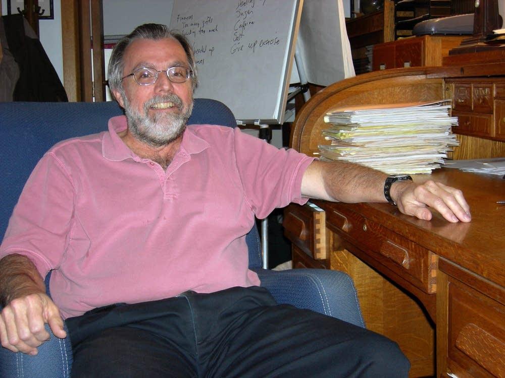 Psychotherapist Dave Decker