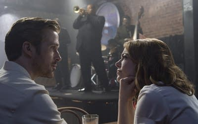 Fe39e5 20170221 sebastian ryan gosling and mia emma stone in la la land