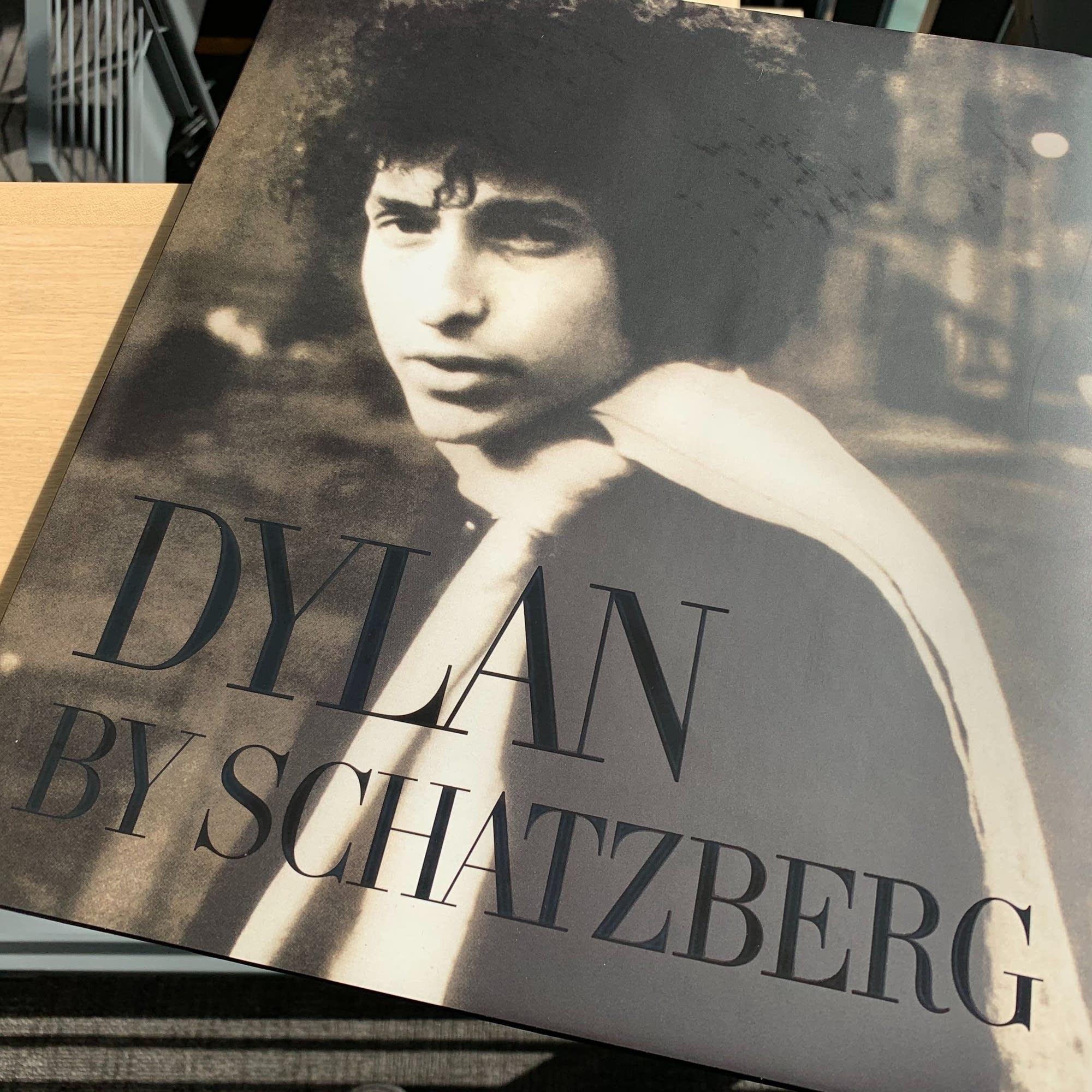 'Dylan by Schatzberg' photo book.
