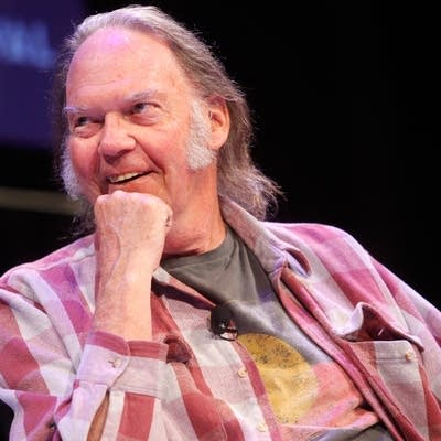 4d7f78 20160219 neil young