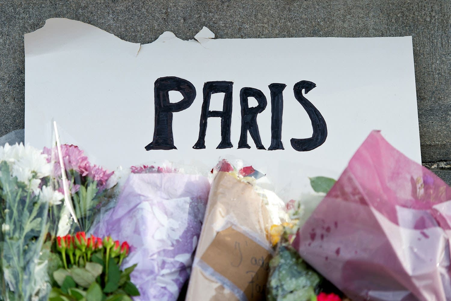 Londo French Community Grieves After Paris Attack