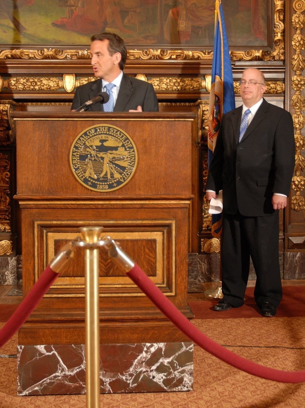 Gov Pawlenty announces budget cuts