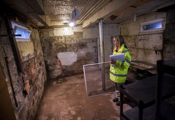 Inspecting a basement
