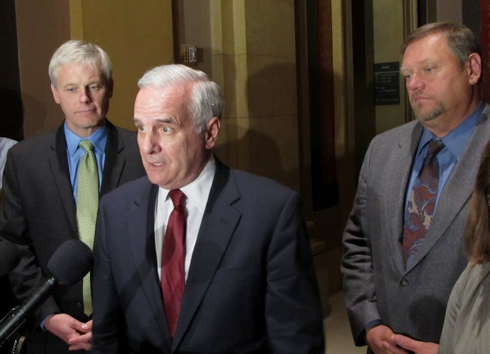 Dayton meets with legislators