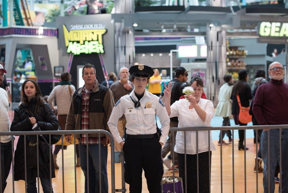 Mall rotunda closed.