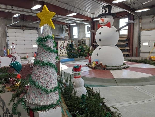 Christmas decorations made of concrete.