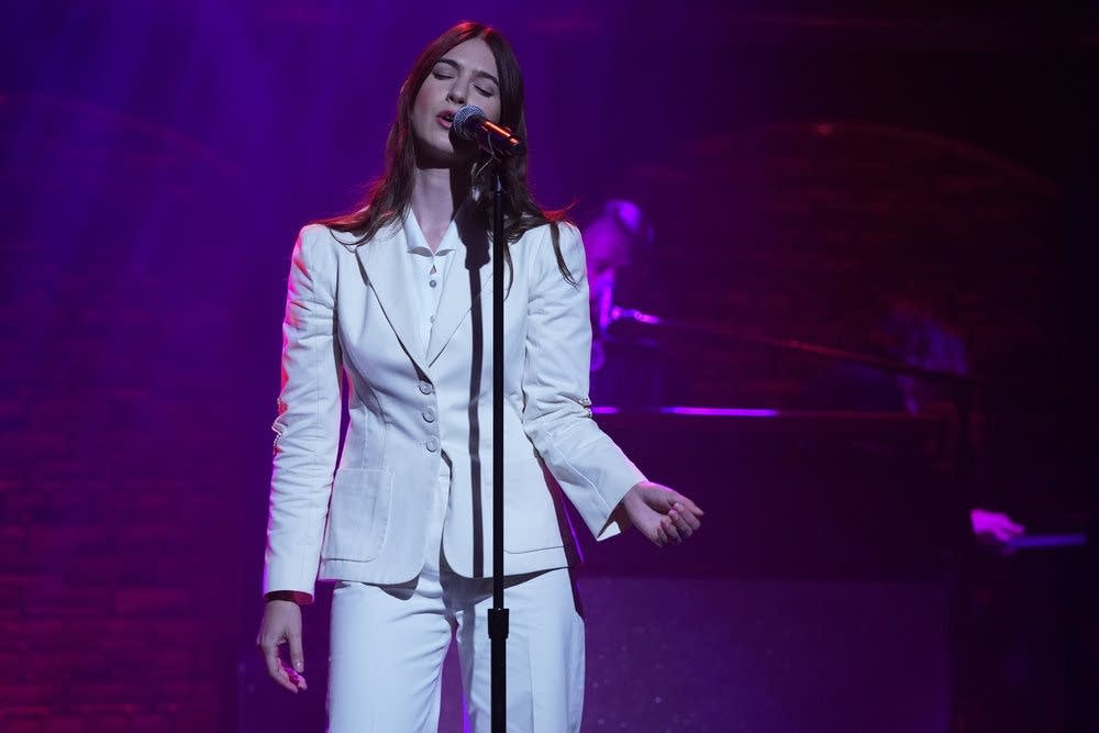 Weyes Blood performs on 'Late Night with Seth Meyers'